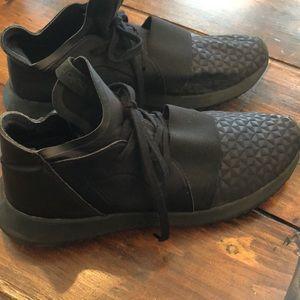 Adidas tubular women's athletic shoes size 7